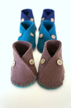 Baby Fleece Moccasin Shoes Baby Booties Autumn by mukkymonkey, Baby Girl Shoes, Girls Shoes, Teal Baby Showers, Keep Shoes, Brown Teal, Handmade Baby Quilts, Baby Moccasins, Fall Baby, New Baby Boys