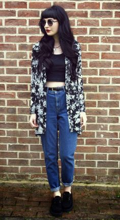 Mom jeans by Kayleigh B. - http://ninjacosmico.com/boyfriend-jeans-vs-mom-jeans/