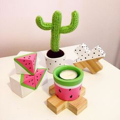 Absolutely loving this ensemble of customised products from @cemented.homewares  Tash is extremely talented and her pieces are beautiful check out her page! #bargain #cement #concretedecor #concrete #cementdecor #decor #home #zradedesigns #timber #pine #wood  #watermelondecor #watermelon #cacti #cactus #spotty #bw #blackandwhite #bandw #monochrome #colour #colourful #crochet #crochetcactus #crochetcacti by zra.designs