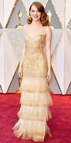 Emma Stone the most beautiful and attractive hollywood actress. See her in modern dress. Emma Stone looks very beautiful with her beautiful eyes and smile. To see her more click below. Oscars 2017 Red Carpet, Oscars Red Carpet Dresses, Emma Stone Oscars, Robes D'oscar, Vestidos Oscar, Beautiful Dresses, Nice Dresses, Beautiful Eyes, Beautiful Images