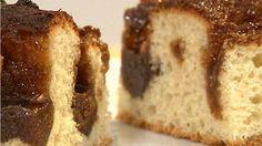 En klassisk opskrift på brunsviger af Mette Blomsterberg med dejligt farinfyld. Alle elsker brunsviger, og det er en helt perfekt kage til at tage med og til fødselsdage.