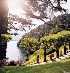 The gardens at Villa del Balbianello, Lake Como, photo by Jonathan Becker via Vanity Fair George Clooney, Italian Wedding Venues, Italian Weddings, Places To Travel, Places To Visit, Lake Como Italy, Villa, Italian Lakes, Italy Wedding