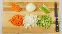 Mirepoix - Tips - Best Recipes Ever - Looking to add big flavour to your soups, stews and stocks? It starts with a mirepoix. Ham Dinner, Cajun Dishes, Ground Beef Recipes For Dinner, Cajun Cooking, Best Food Ever, Thanksgiving Recipes, Stew, Good Food