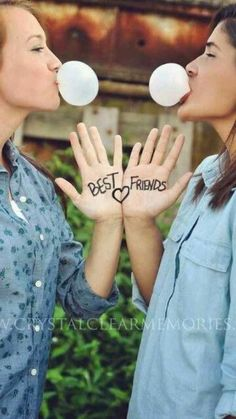 I love this picture. I so want to do this with my BFF
