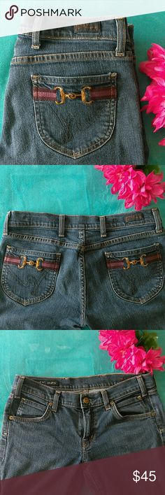 Citizens of Humanity Jackie #149 Stretch Citizens of Humanity Jackie #149 Stretch size 28. Some wear to them but in great condition. Citizens of Humanity Jeans
