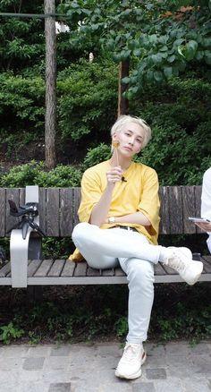 #JEONGHAN#SEVENTEEN Woozi, Wonwoo, Hip Hop, Jeonghan Seventeen, Seventeen Wallpapers, Seventeen Debut, Pledis Entertainment, Seungkwan, Guy Pictures