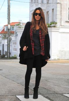 Love this outfit, black contrasted with some red and grey. And the glasses..