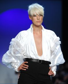 Agyness Deyn. Black and white wardrobe: soend most of your money on building a basic wardrobe with classic lines.