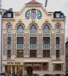 Art Nouveau building in Munich, Germany. Art Nouveau Architecture, Amazing Architecture, Architecture Design, Belle Epoque, Art Deco, Examples Of Art, Academic Art, Colourful Buildings, Villa