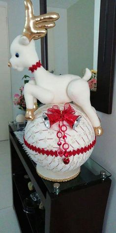 A Main Hobbies Chico Refferal: 1464113882 Christmas Deer, Christmas Balls, Christmas Crafts, Christmas Decorations, Christmas Ornaments, Holiday Decor, Hobbies To Take Up, Hobbies For Kids, Hobbies And Crafts