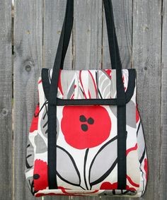 Petrillo Bag - Go To Patterns ($), but seems fairly practical