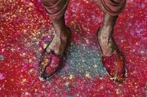 On foot - Steve McCurry #photography #stevemccurry