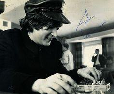 "John Lennon playing chess during a break in the filming of ""Help! The Beatles Help, Liverpool Legends, John Lennon Paul Mccartney, All My Loving, Kinds Of Dance, Beatles Photos, Gentlemen Prefer Blondes, Dear John, The Fab Four"