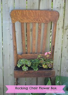 Turn a broken chair into a functional piece again. This DIY Rocking Chair Upcycle Tutorial will show you a way to turn a broken chair into a planter for your yard. Old Rocking Chairs, Old Chairs, Ikea Chairs, Folding Chairs, Black Chairs, Repurposed Furniture, Diy Furniture, Painted Furniture, Street Furniture