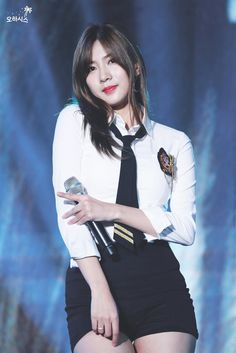 Oh Ha Young Apink❤181010 South Korean Girls, Korean Girl Groups, Oh Hayoung, Pink Panda, Indian Princess, Fans Cafe, Fairy Princesses, Cube Entertainment, Stage Outfits