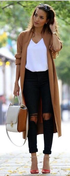 Cool 51 Fabulous Spring And Summer Outfits Ideas For 2018. More at https://trendwear4you.com/2018/03/09/51-fabulous-spring-summer-outfits-ideas-2018/