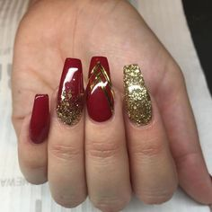 red and gold glitter nails; red and gold acrylic nails; red and gold nails for prom. Cute Christmas Nails, Xmas Nails, Christmas Nail Designs, Prom Nails, Holiday Nails, Long Nails, Blue Christmas, Christmas Glitter, Wedding Nails
