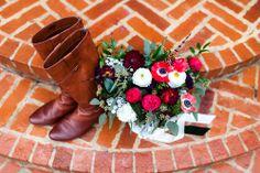 Flowers by http://helovesmeflowers.com  Photo by http://www.heathercheriephotography.com