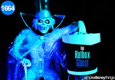 AMUSEMENT ATTRACTION! Hatbox Ghost Reappears in Haunted Mansion | Disneyland Resort | Jerry's Hollywoodland Amusement And Trailer Park