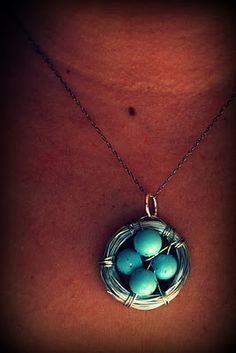 5 Minute Egg Nest Necklace.  What a great Easter present for my Niece's!!