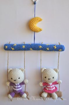 Crochet Wreath, Bead Crochet Rope, Crochet Gifts, Crochet Toys, Knit Crochet, Easy Crochet Patterns, Baby Knitting Patterns, Paris Crafts, Handmade Soft Toys