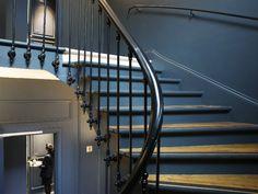 Un escalier haussmannien pour accéder aux chambres : Un hôtel**** aux allures de demeure particulière - Journal des Femmes