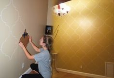 DIY Craft Projects for Wall Art - Moroccan Quatrefoil Stencil Pattern How To