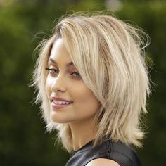 Paris Jackson is stripped to meditate Long Hair Cuts Jackson meditate Paris stripped Paris Jackson, Medium Hair Styles, Short Hair Styles, Corte Y Color, Great Hair, Hair Today, Pretty Hairstyles, Amazing Hairstyles, Hair Hacks