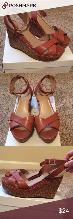 Vince Camuto wedge sandals - size 8 Light brown leather platform wedge sandals. 4in heel with a 2in platform. Excellent condition. Vince Camuto Shoes Sandals