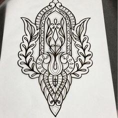 Mandala Thigh Tattoo, Henna Mandala, Body Art Tattoos, Sleeve Tattoos, Maori Tattoos, Tattoo Sketches, Tattoo Drawings, Devine Tattoo, Tattoo Outline Drawing