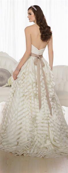 Свадебное платье essense of australia 530