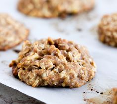 Munch on breakfast cookies loaded with real apple, honey and cinnamon—none of the artificial stuff!