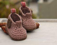 Construction Boot Baby Boys Crochet Boot Pattern von Inventorium