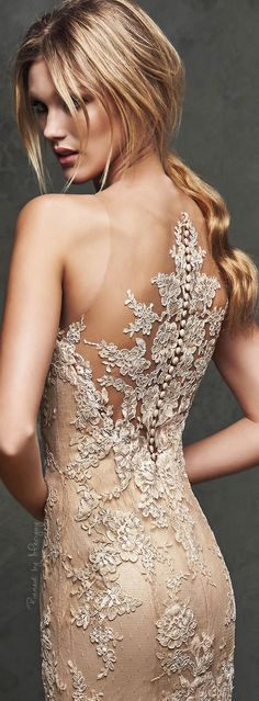 Lace detail champagne evening dress #goddessgowns