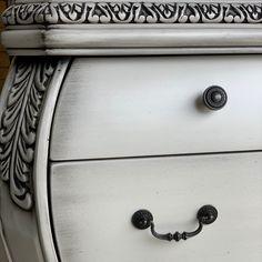 Furniture Decor, Painted Furniture, Painting Tips, Chalk Paint, Annie, Glaze, Door Handles, Powder, Craft Ideas