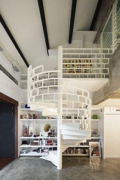 loft avec escalier en colimaçon design