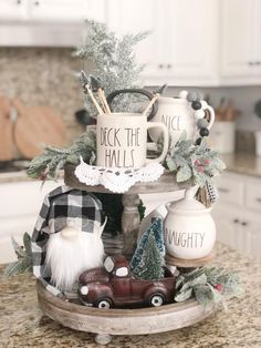 Thinking about Cozy Christmas Decorations? Try these adorable farmhouse Christmas Decor Ideas. Farmhouse Christmas Decor, Christmas Kitchen, Country Christmas, Winter Christmas, Christmas Home, Christmas Ideas, Holiday Crafts, Holiday Decor, Tray Decor