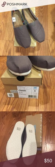 NWT Toms Ash Canvas women shoes Brand new with tags! Comes with stickers. Doesn't come with burlap bag Toms Shoes Flats & Loafers