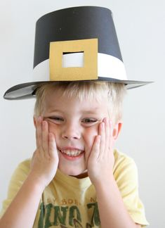 Thanksgiving Day Craft: DIY Pilgrim Hats - Modern Parents Messy Kids Simple DIY pilgrim hats made for just a few dollars - I'm setting my kids up to make these with the relatives they don't see often while I roast the turkey. Thanksgiving Arts And Crafts, Thanksgiving Hat, Thanksgiving Crafts For Kids, Thanksgiving Traditions, Hat Crafts, Kids Crafts, Daycare Crafts, Dramatic Play, Business For Kids