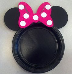 Items similar to Minnie Mouse Birthday Party Cake Plates hot pink bow set of 12 on Etsy Minnie Mouse First Birthday, Mickey Mouse Clubhouse Party, Mickey Party, Mickey Mouse Birthday, Pirate Party, Minnie Mouse Rosa, Pink Minnie, Happy Birthday Black, 1st Birthday Parties