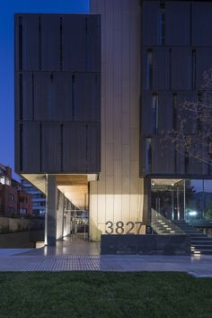 Edificio El Coihue / Estudio Larrain