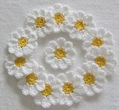 """diy_crafts- """"Crochet Daisy Flowers, Handmade, White, Yellow, Appliques - set of """"Small Flowers Appliques Scrapbooking Sewing set by Iren Crochet Daisy, Crochet Flower Patterns, Flower Applique, Cotton Crochet, Thread Crochet, Crochet Motif, Crochet Flowers, Blanket Crochet, Small Flowers"""