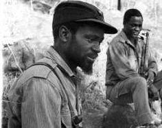 Com guerrilheiros da FRELIMO, anos da década de 1970. Apartheid, Revolutionaries, Old And New, South Africa, Hero, 1975, Junho, History, Leadership