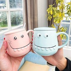 This beautiful Dinosaur Mug will be perfect to drink your coffee early in the morning, very easy to hold and use, it will be perfect for you and your family. #mug #colors #funny #diy #family #drink #ideas #perfect #rarely #beautiful Dinosaur Mug, Dinosaur Games, Cute Dinosaur, Cute Bedding, Diy Funny, Holiday Lights, Baby Shirts, Art Wall Kids, Baby Sweaters