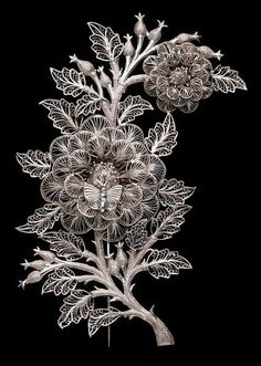 Brooch with floral motif and butterfly, silver filigree, ca. 1853, Travancore, Kerala, India, V&A Collection, UK #jewelry