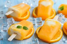 Have a Taste of Childhood With This Orange Creamsicle Recipe Ice Cream Desserts, Frozen Desserts, Ice Cream Recipes, Frozen Treats, Ww Desserts, Frozen Popsicles, Smoothie Popsicles, Orange Creamsicle, Delicious Desserts