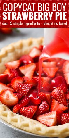 This strawberry pie tastes JUST like the classic pie from Frisch's Big Boy& It uses 6 simple ingredients, and a pre-made pie crust to make it easy! Classic fresh strawberry pie… if you've neve Big Boy Strawberry Pie Recipe, Shoneys Strawberry Pie, Fresh Strawberry Recipes, Fruit Recipes, Dessert Recipes, Cooking Recipes, Strawberry Pie Fillings, Stawberry Pie, Recipies