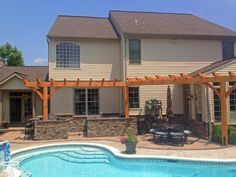 Looking for options for landscaping around pools? Well you've come to the right place. Pontz is well versed in the world of creating amazing outdoor living