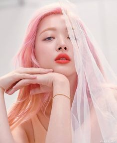 StyleKorea — Sulli for Marie Claire Korea July Kpop Girl Groups, Kpop Girls, Choi Jin, Victoria, Jonghyun, Belle Photo, Pretty People, Korean Girl, Makeup Ideas
