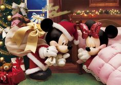 """tinkeperi: """" Disney's Mickey & Minnie:) """" Christmas Gift 3d, Disney Merry Christmas, Christmas Greetings, Mickey And Minnie Love, Mickey Mouse And Friends, Mickey Minnie Mouse, Walt Disney, Disney Art, Disney Images"""
